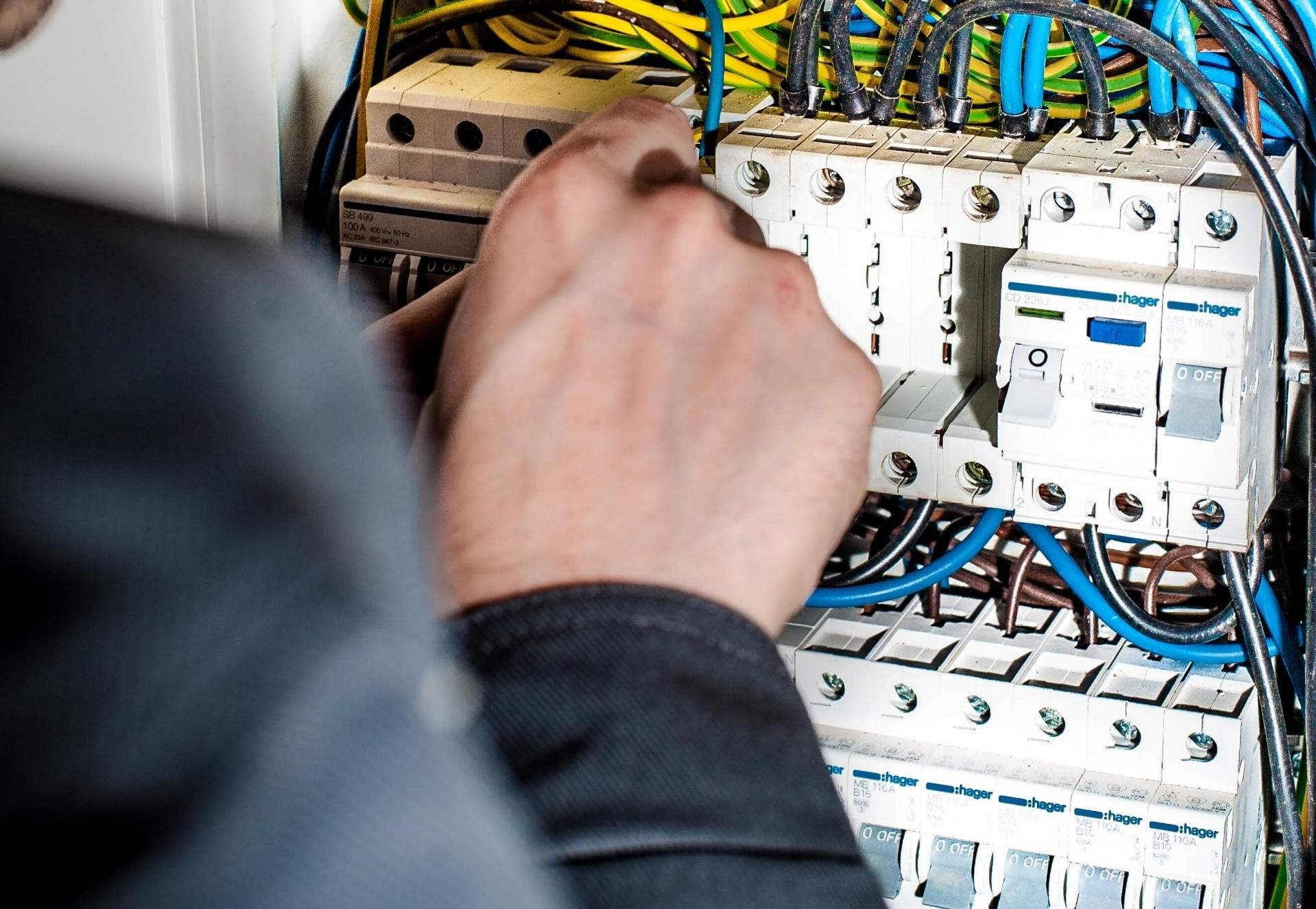 Elektrische Leitungen und Geräte » Fritz & Fritz