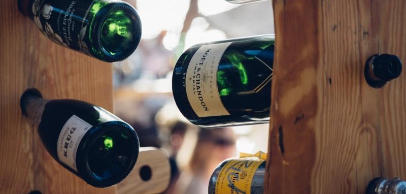 Wein Restaurant Versicherung